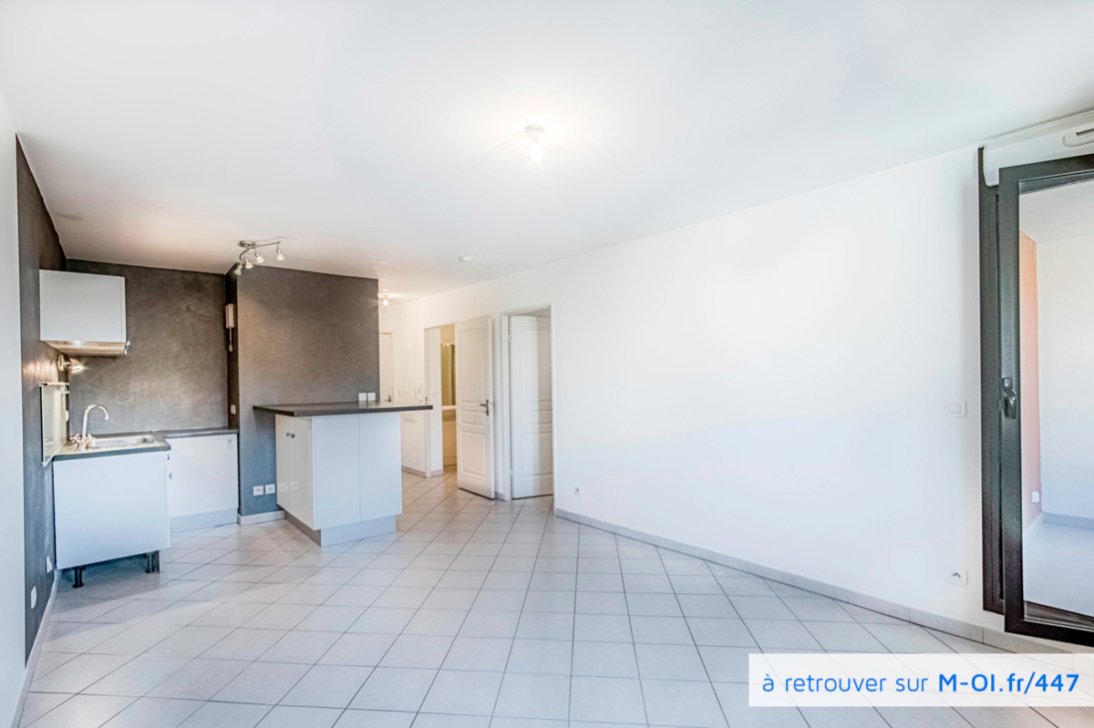 VENDU - 13300 - Salon-de-Provence - Appartement T2 de 45m2 habitable clefs en main et sans vis à vis - Balcon- Parking privatif