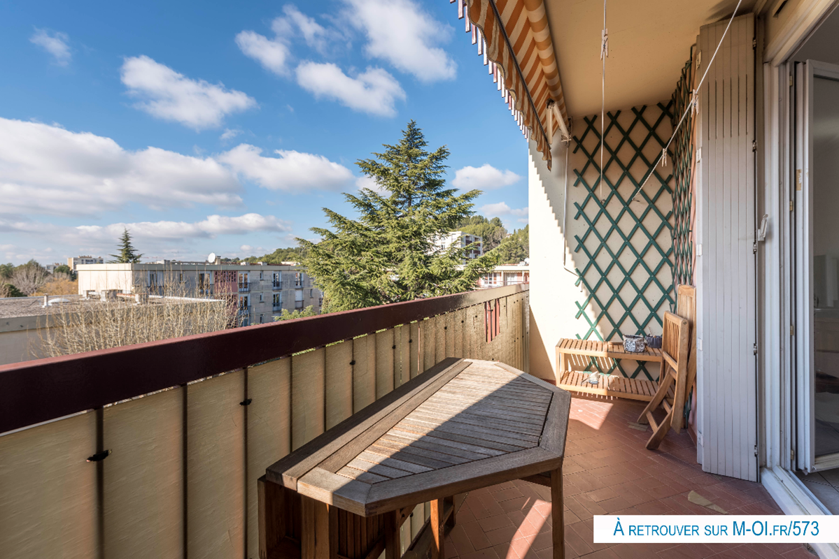 Exclusivité - 13100 - Aix-en-Provence - Sud - Appartement - T4 - 84m2 - Balcon - Ascenseur - Cave - Box