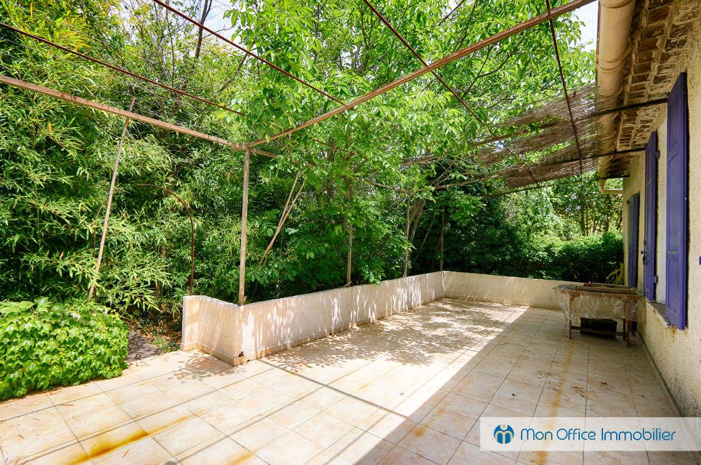 Vendue salon de provence 13300 mon office for 13300 salon de provence
