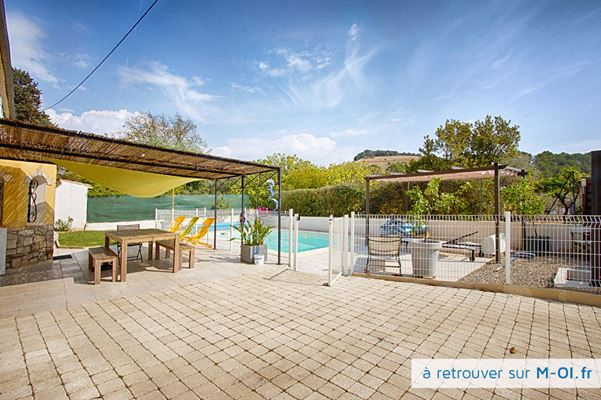 13590 - Meyreuil Bastide 19ème, 135m2 sur 1209m2 de terrain, piscine, exposée sud, au calme