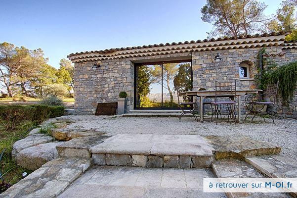 Propriété de 320m2 habitable sur 1,4ha à 15min d'Aix en Provence (13100)